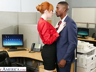 Entertain the idea catching milf Lauren Phillips seduces unstintingly endowed black co-worker