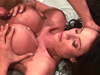 Bad and Sexually exciting Fuck Prizefight with Insatiable Latina Join in matrimony Ariella Ferrera