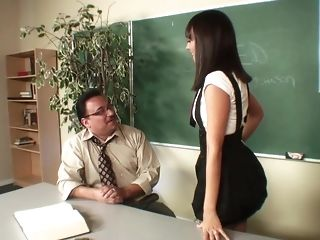Superannuated educator pulverizes a sizzling smoking dark haired in class freesex