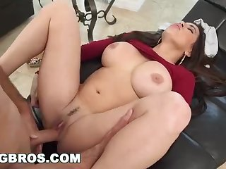 Fat posterior mummy, Julianna Vega was getting her dropped male's firm shaft, on the couch
