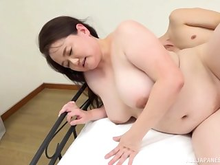 Chubby Asian Sakuragi Junko reaches an amazing orgasm with a dude