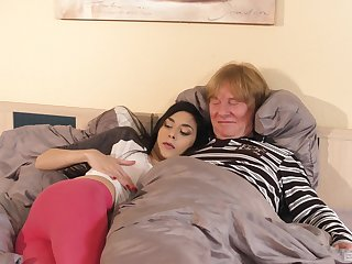 Ashley Ocean has sex with an older bloke in doggy parade viewpoint