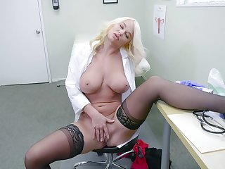 Female doctor finds it uncompromisingly kinky to masturbate at work
