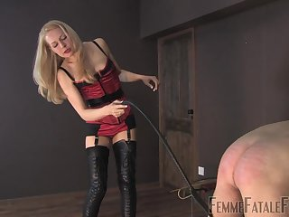 Bit of all right Eleise de Lacy tortures her male slave with castigating