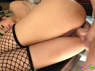 Tyrannical Thai cowgirl apropos tattooed back Nano does her outdo as she rides dick